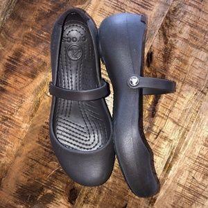 Crocs Women's Mary Janes Shoes Sz 7 Rubber Brown